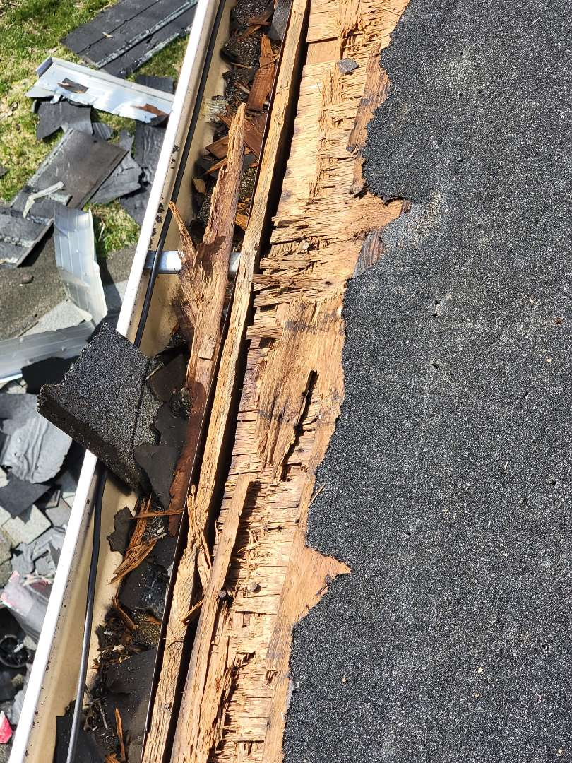 Southington, CT - Very often we discover  rotted plywood when we do a roof. It's always replaced. Call vnanfito roofing and siding today for a free estimate on any of your home remodeling needs