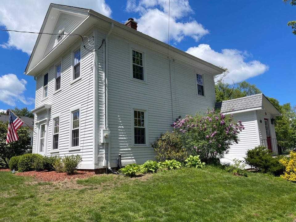 Durham, CT - We are providing an estimate for roofing on this colonial home