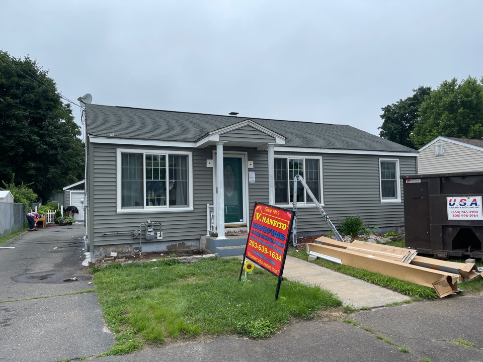 Waterbury, CT - Another quality siding project in progress
