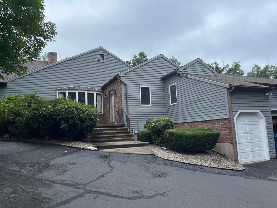 Durham, CT - We're providing an estimate for seamless aluminum gutters
