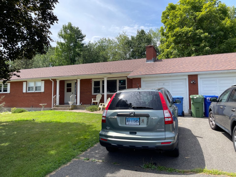 Cromwell, CT - We're providing an estimate for seamless aluminum gutters