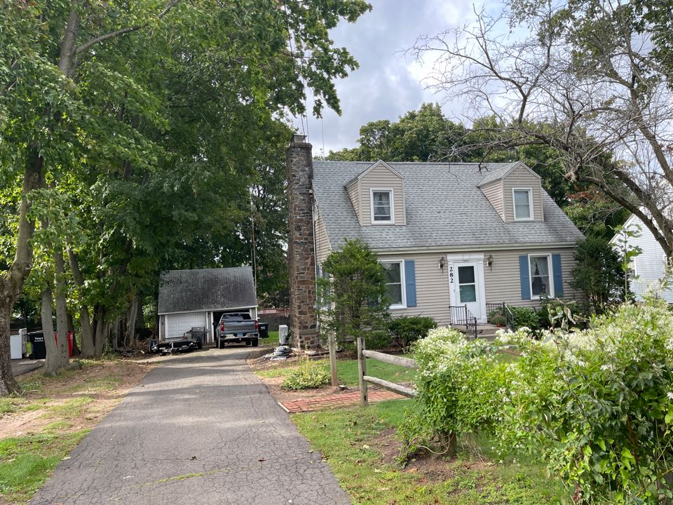 Meriden, CT - We're providing an estimate for roofing