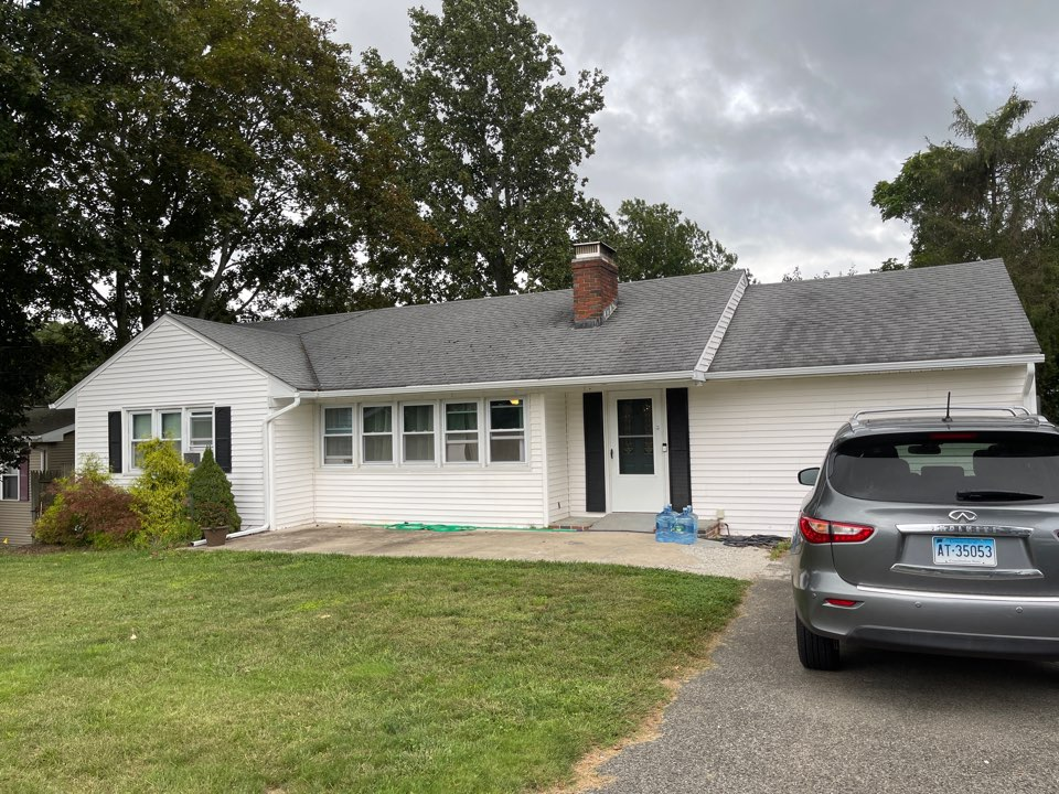 Meriden, CT - Another quality seamless aluminum gutters project completed
