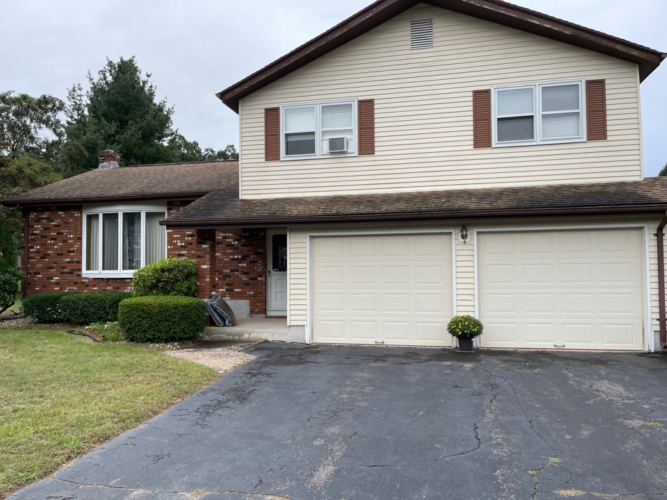 South Windsor, CT - We're providing an estimate for trim work