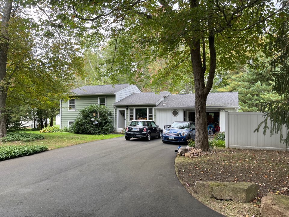 Wallingford, CT - We're providing an estimate for roofing repair
