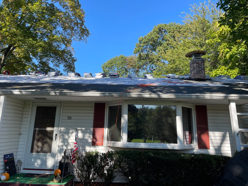 Wallingford, CT - Another new roof project in Wallingford