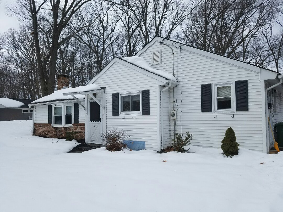 Cheshire, CT - Picking get GAF roofing colors and measuring for replacement windows and doors