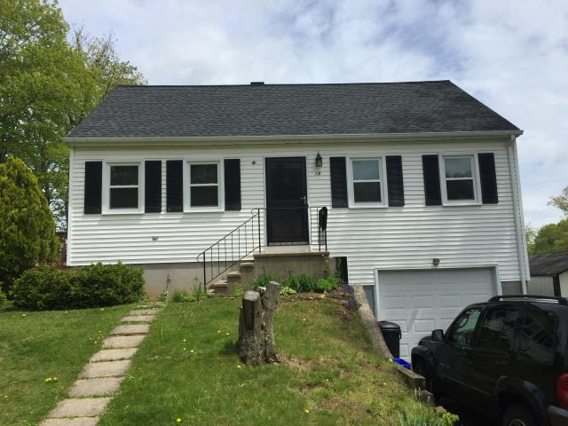 Meriden, CT - Here is an after picture of a recently done window job in Meriden! We installed 14 beautiful Simonton Windows and got to work with great homeowners!