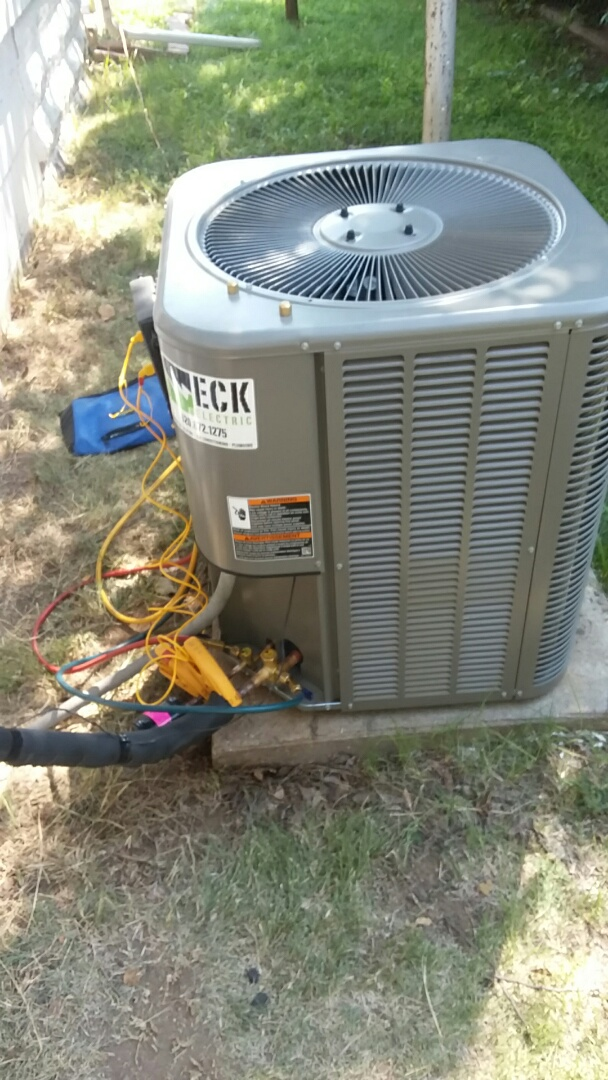 Pratt, KS - Installing new condenser and evaporator.