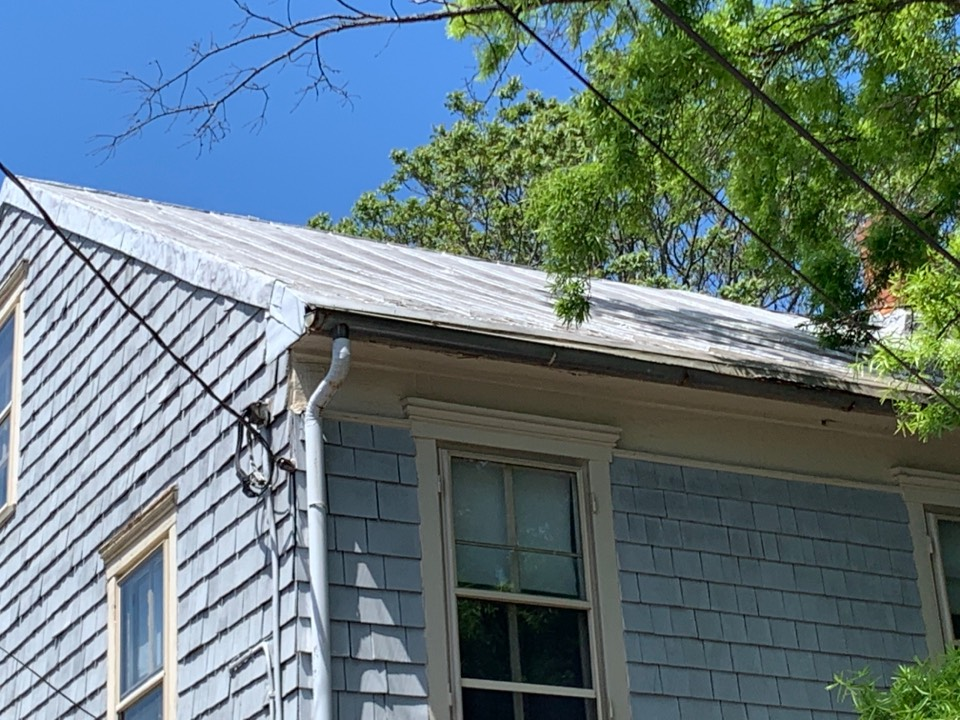 Annapolis, MD - Inspecting metal roof- replacement required