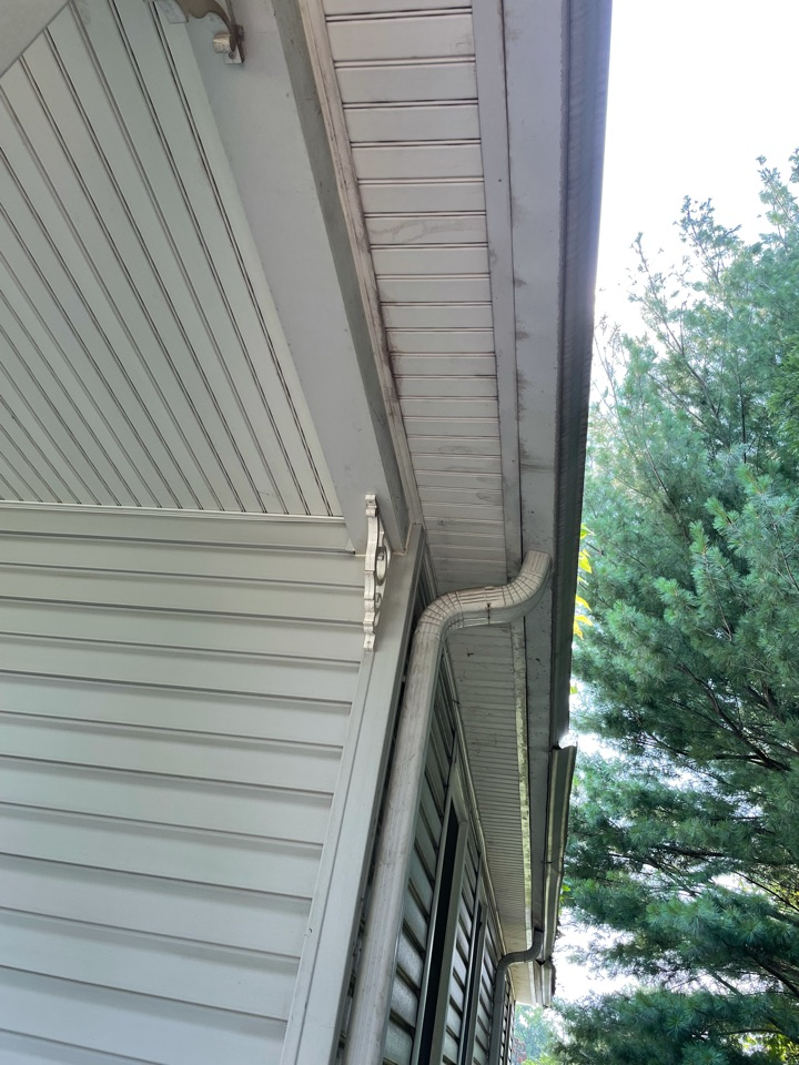 Annapolis, MD - Correcting damaged metal roof edge and gutters.
