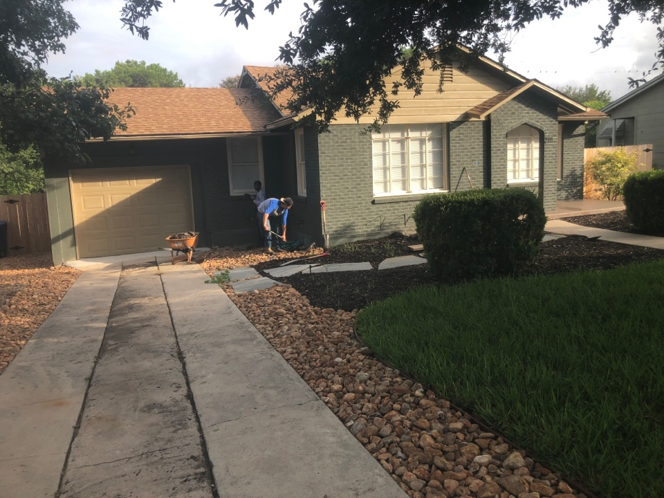 San Antonio, TX - Starting a new foundation repair project today for Mr. Verme. We'll be installing 7 steel piers to stabilize the foundation. This project will only take one day to complete! Thankfully, he contacted us in the early stages of settlement, so he doesn't need many piers or extensive work done.