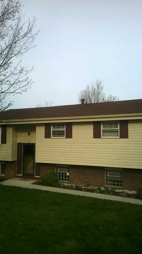 Pittsburgh, PA - Finished new roof replacement and new seamless gutters and downspouts