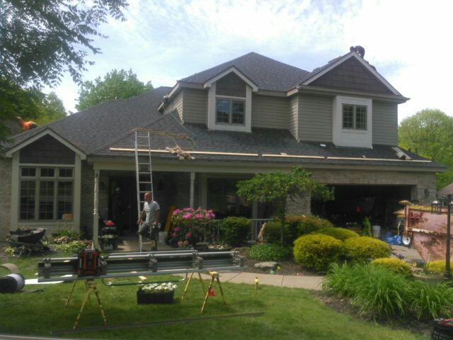 Wexford, PA - Installing new roof and seamless gutters