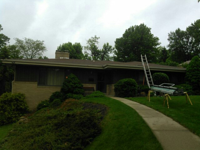 Bethel Park, PA - Installing new roof,dogfighting and fascia,and seamless gutters with leaf protection