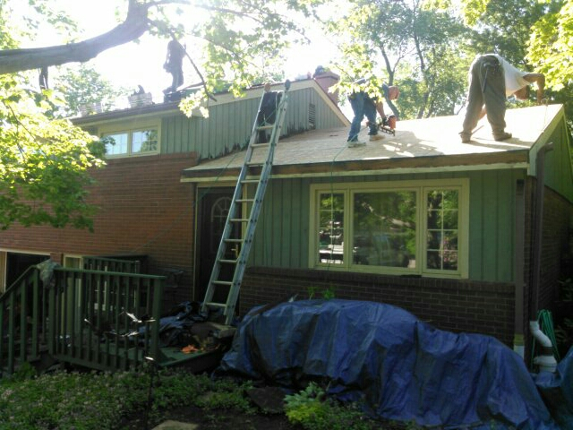 Moon, PA - Installing new roof,soffit and fascia,gutters and downspouts with leaf protection,and New questions vinyl siding