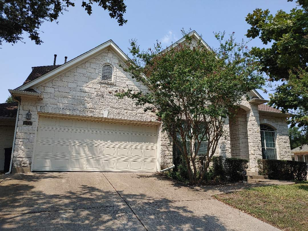 Austin, TX - Insurance claim roof repair / replacement inspection / estimate for wind and hail damage