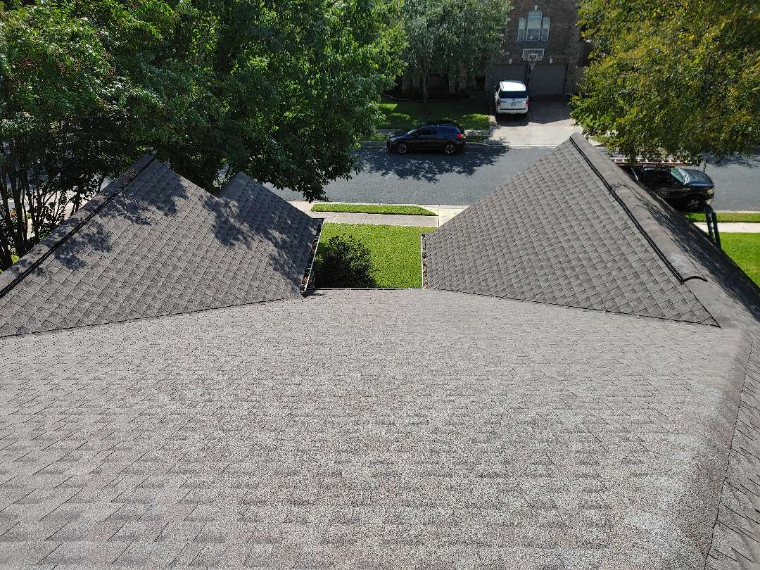 Round Rock, TX - Free inspection and estimate for roof replacement or repair on storm damage insurance claim from wind and hail