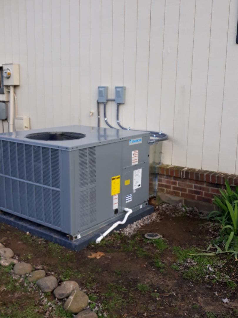 Knoxville, TN - New daikin heat pump install