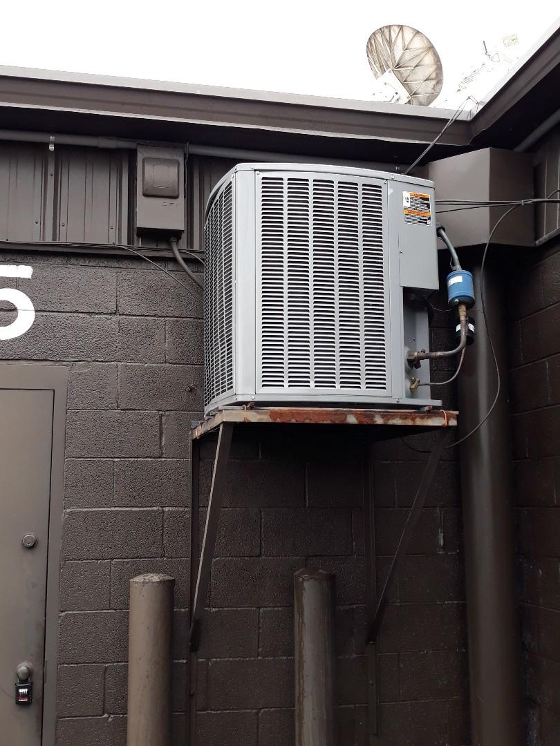 Knoxville, TN - Heat maintenance, Comfortmaker gas.