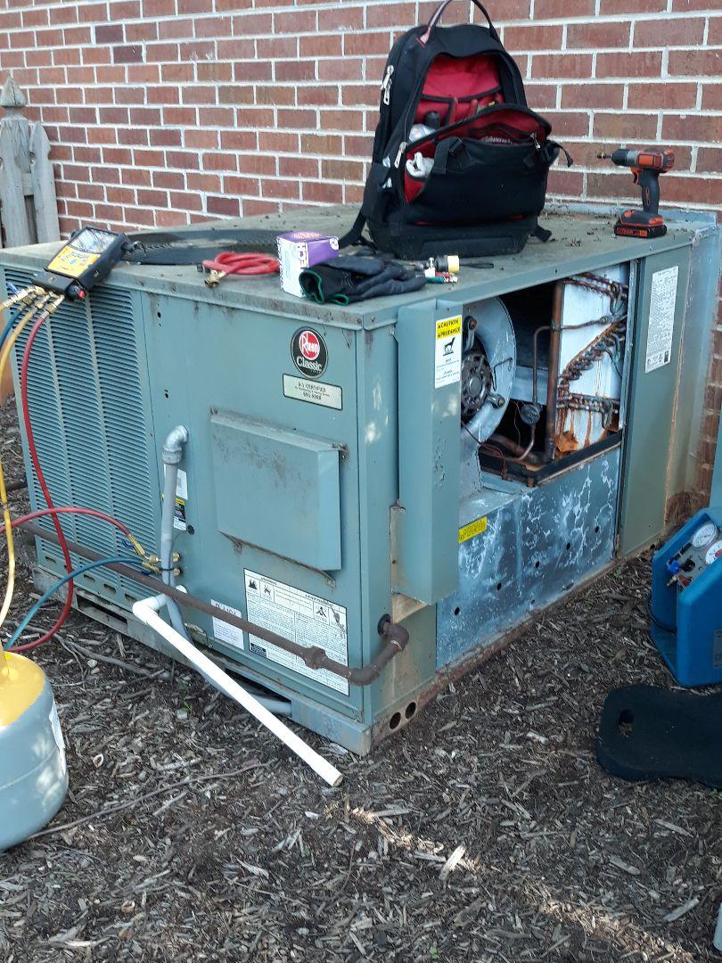 Knoxville, TN - TXV Repair Rheem pkg gas