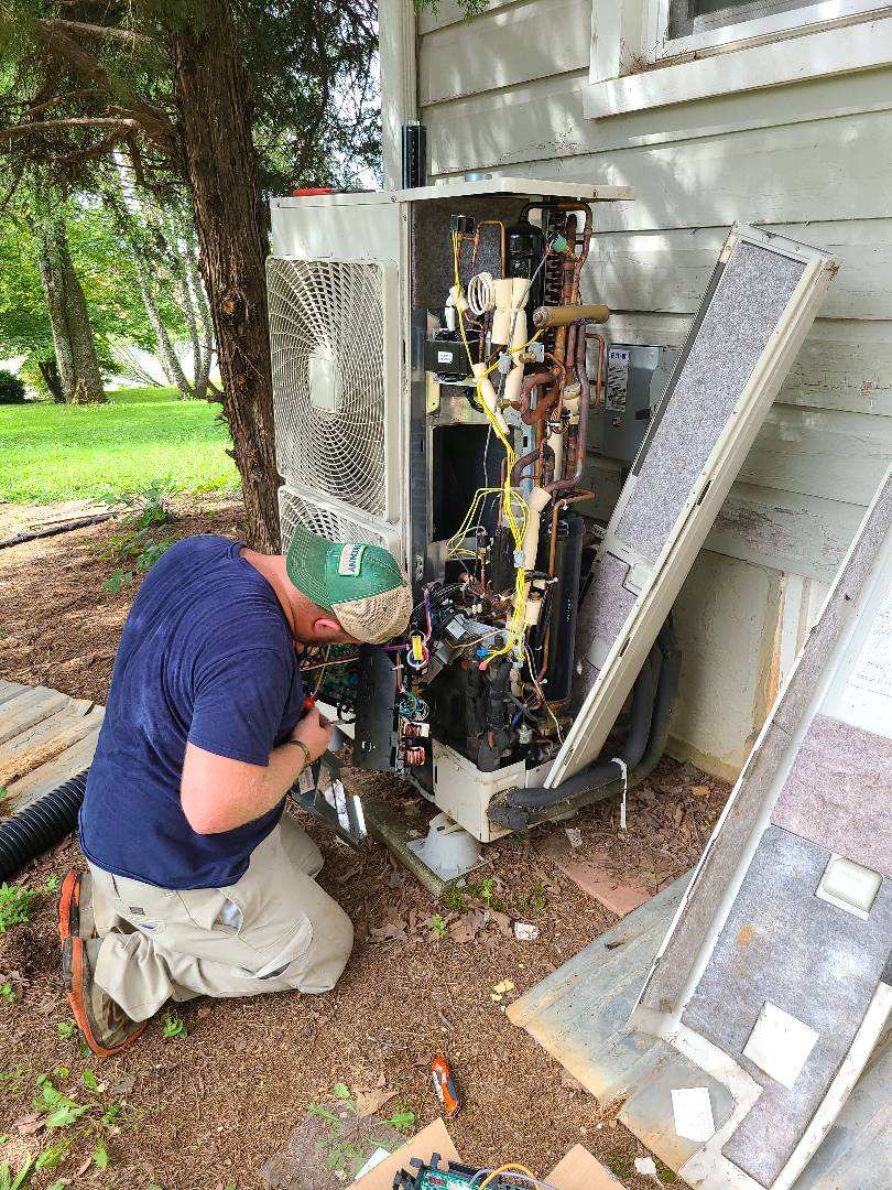 Knoxville, TN - Air conditioner repair