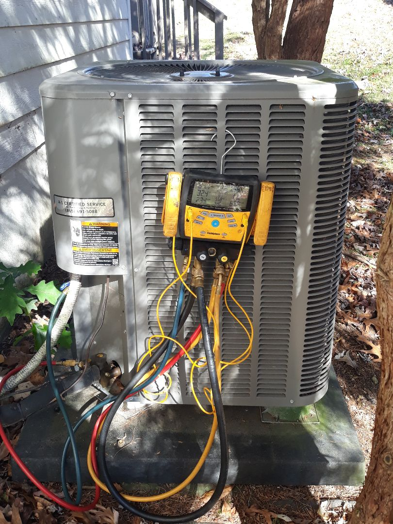 Knoxville, TN - No cool call on a Lennox split system.