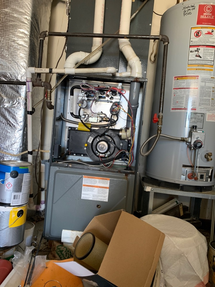 Clinton, TN - 2 system fall Maintenance on an Amana gas furnace and Amana heat pump and electric heat.