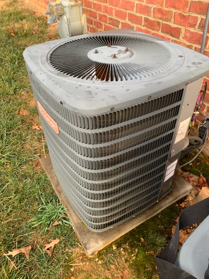 Lenoir City, TN - 2 system fall Maintenance on a Goodman split heat pump and electric heat and a gas furnace.