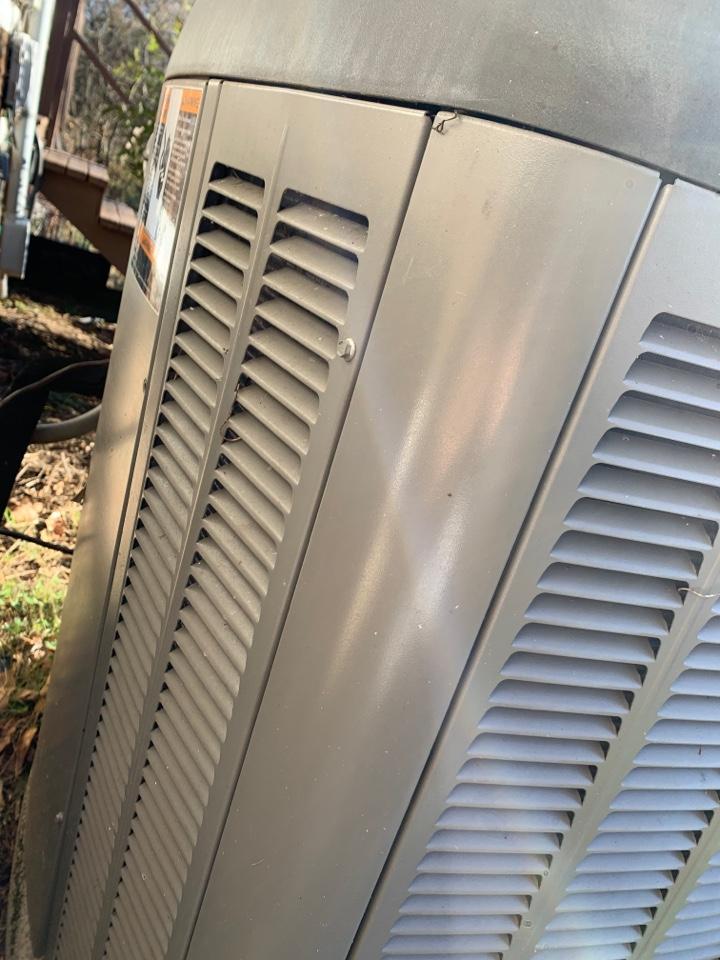 Louisville, TN - 1 system fall Maintenance on a Lennox heat pump.