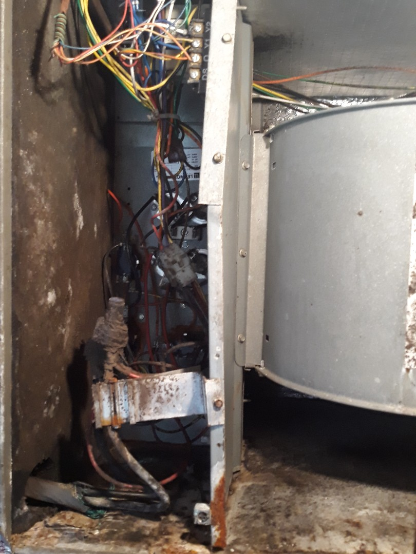 Knoxville, TN - 1 system Fall maintenance on a Lennox heat pump and electric heat.