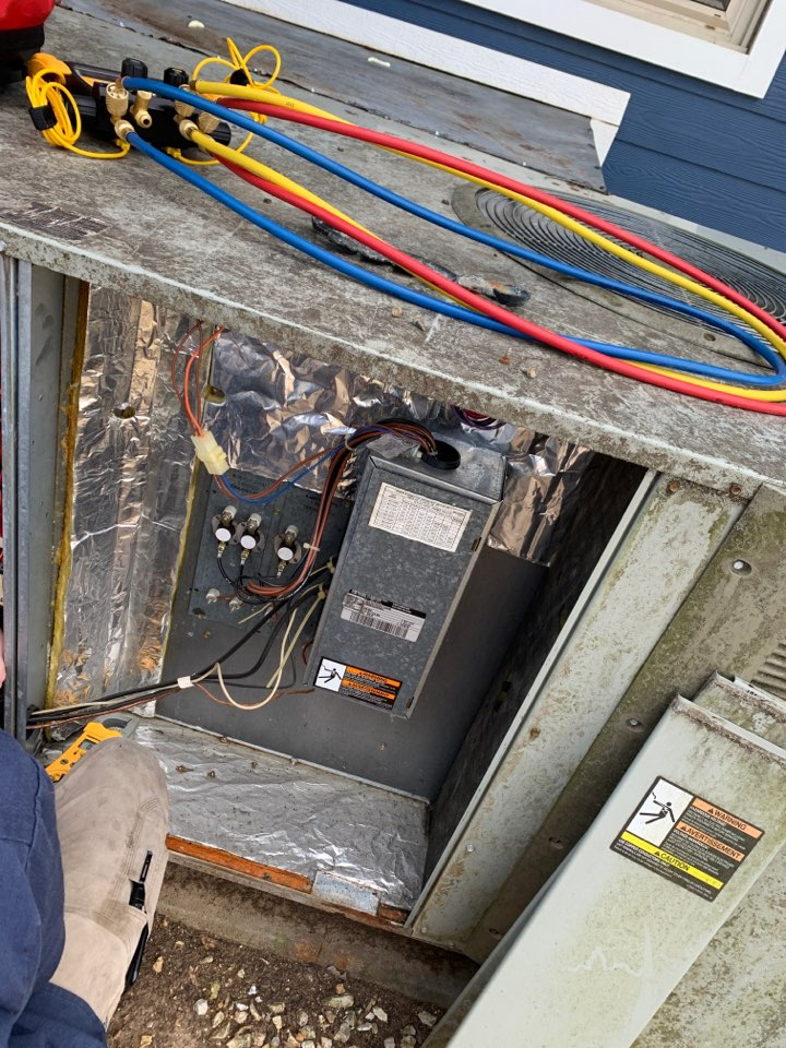 Knoxville, TN - 1 system fall Maintenance on a Trane heat pump and electric heat package unit.