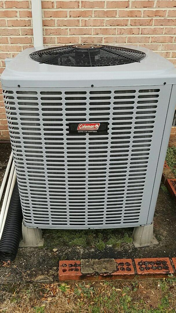Loudon, TN - Heat Pump service call. Repairing a Coleman heat pump.