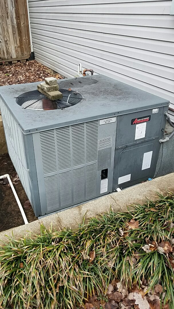Corryton, TN - Performed heating in section on Amana package heat pump.