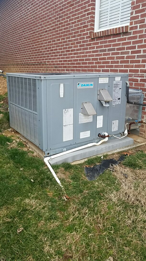 Oak Ridge, TN - Performed a heating inspection on Daikin gas pack.