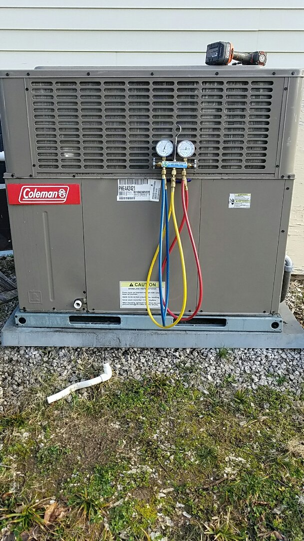 Knoxville, TN - Performed a heating inspection on a Coleman package heat pump.