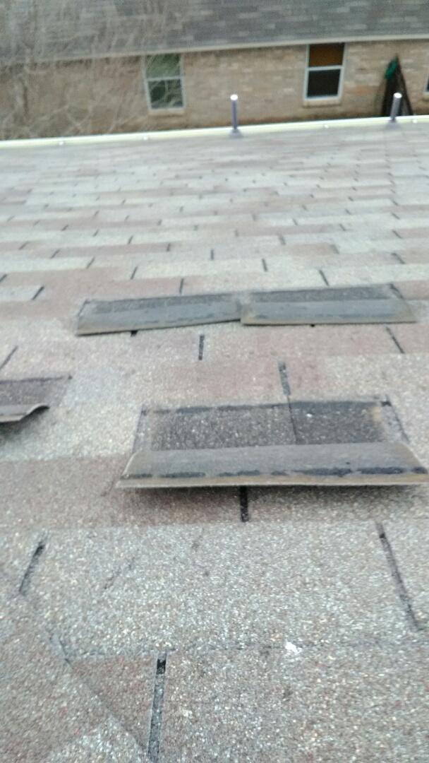 Hutto, TX - Hutto - Repair win damaged shingles