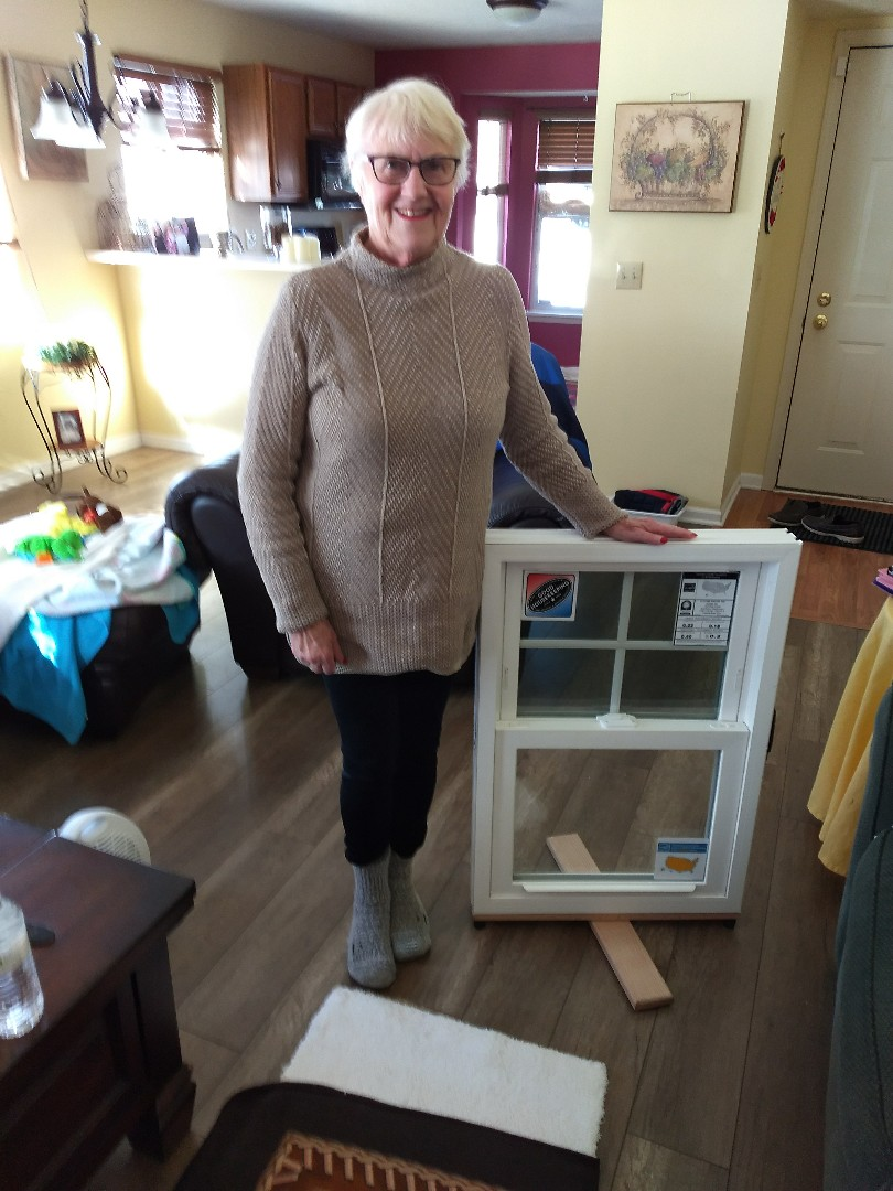 Indianapolis, IN - My new happy customer in Indianapolis! She can't wait for her new windows !