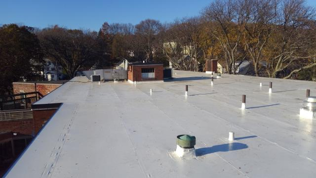 New PVC roof system on nursing home