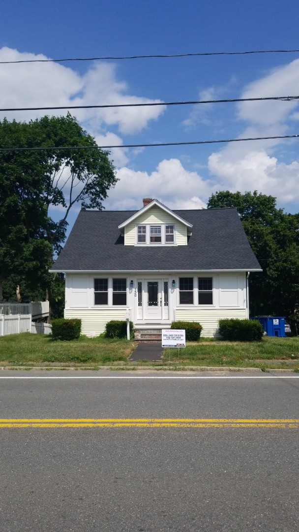 Worcester, MA - Installed a GAF roofing system on a classic American home.