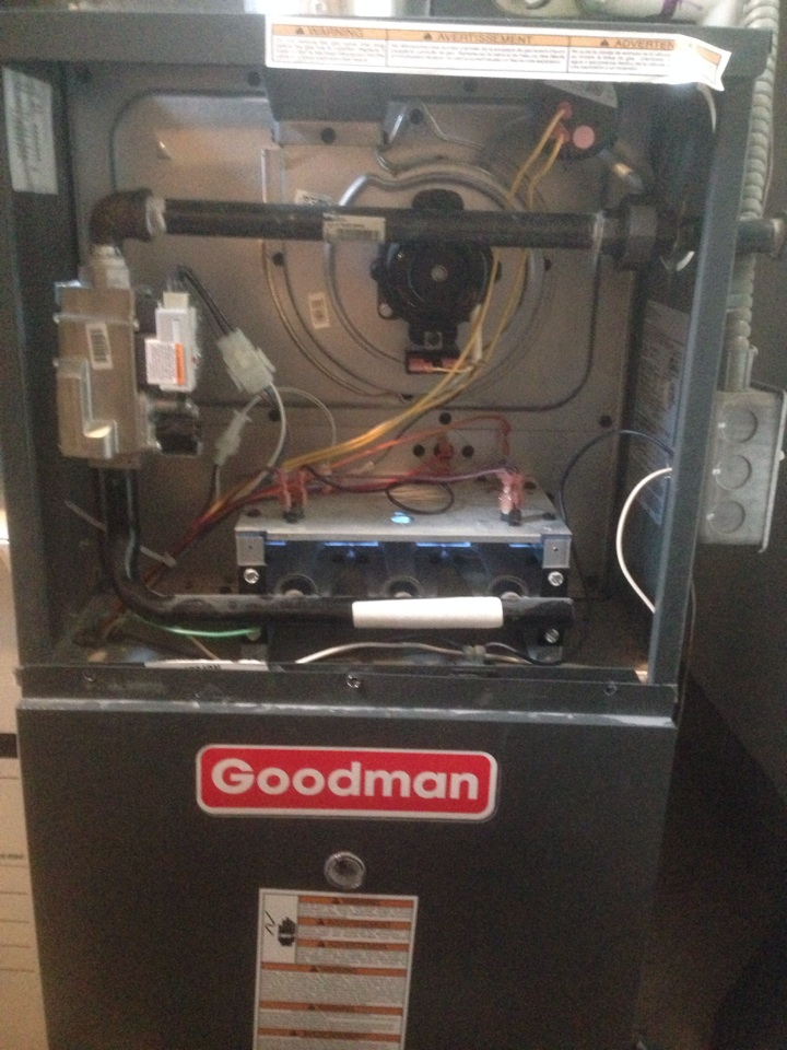 goodman furnace flame sensor. furnace repair. customer has a 4 year old goodman furnace. model gmh80704bncc. flame sensor m