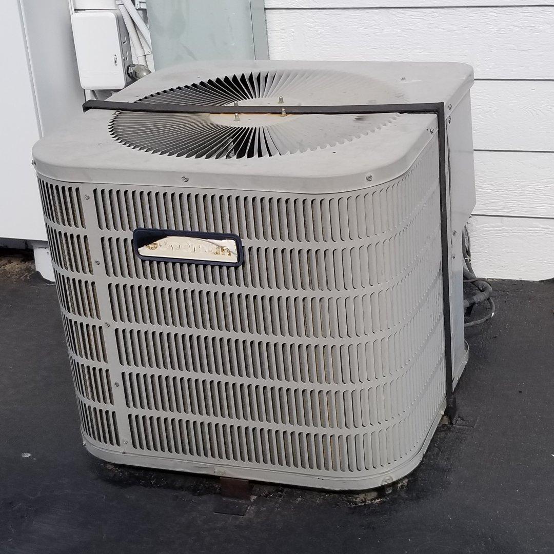 Newcastle, OK - Repairing an air conditioner in Newcastle Oklahoma