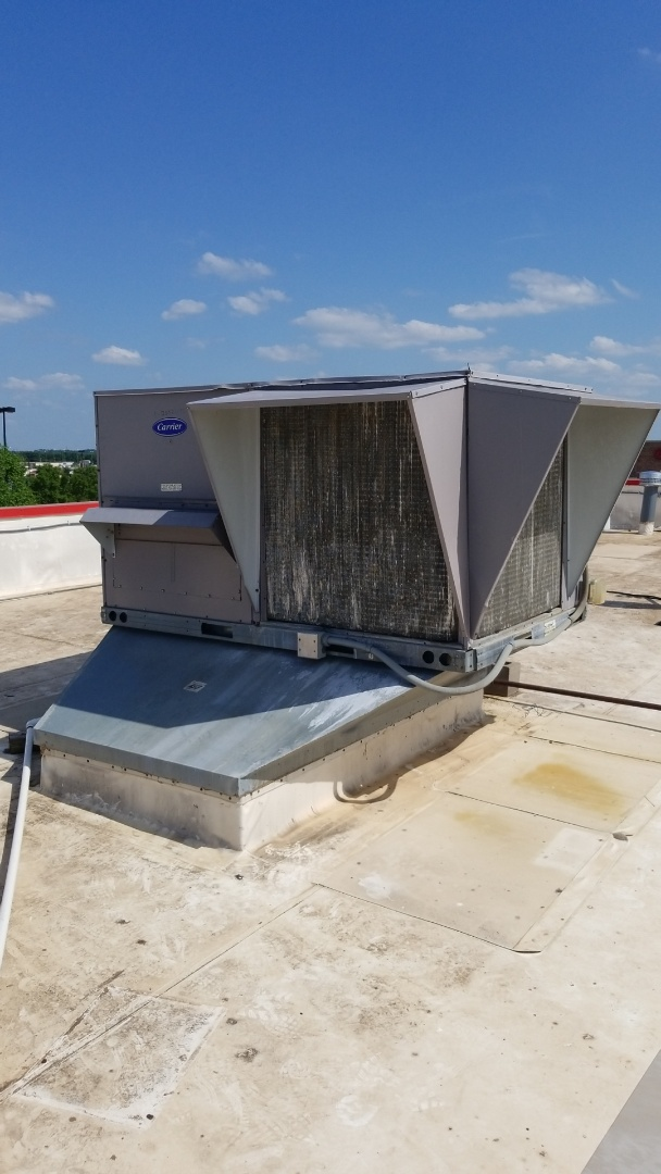 Edmond, OK - Replace eing this old 12 and a 1/2 ton Carrier unit for a business in Edmond