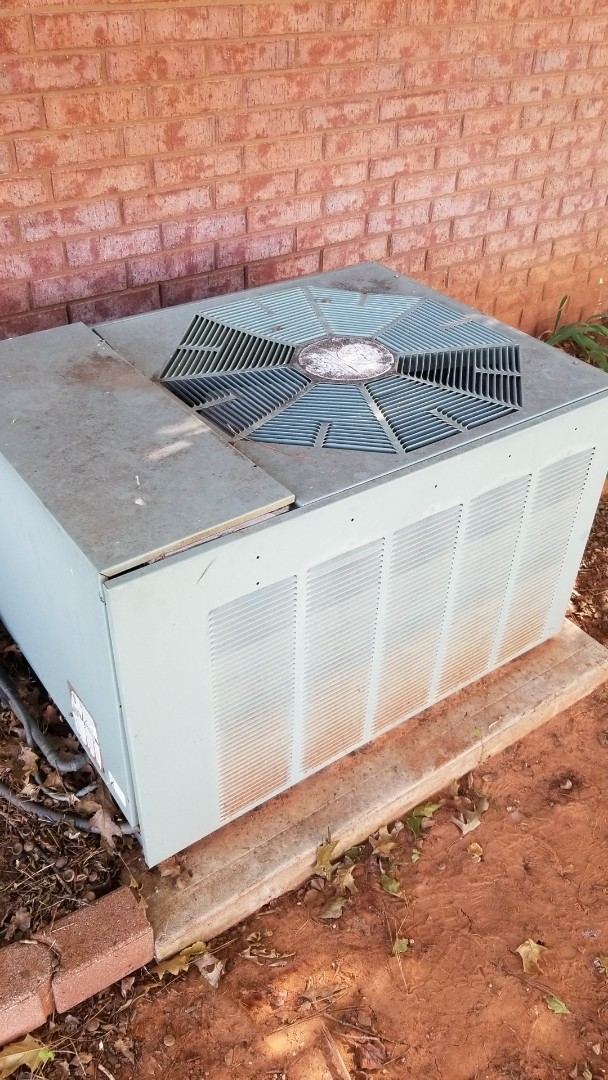 Blanchard, OK - Changing out a condenser fan motor for a family in Blanchard Oklahoma