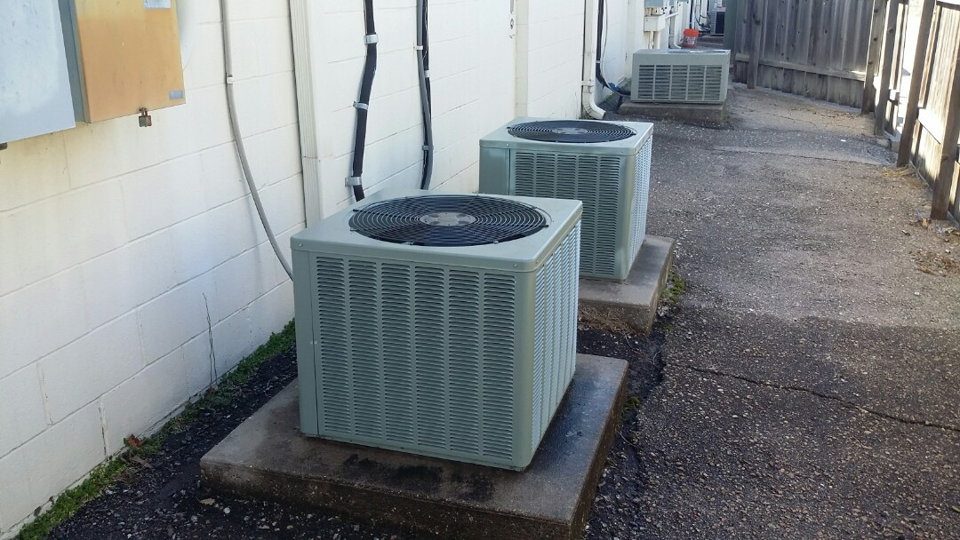 Wichita, KS - Performed air conditioning maintenance