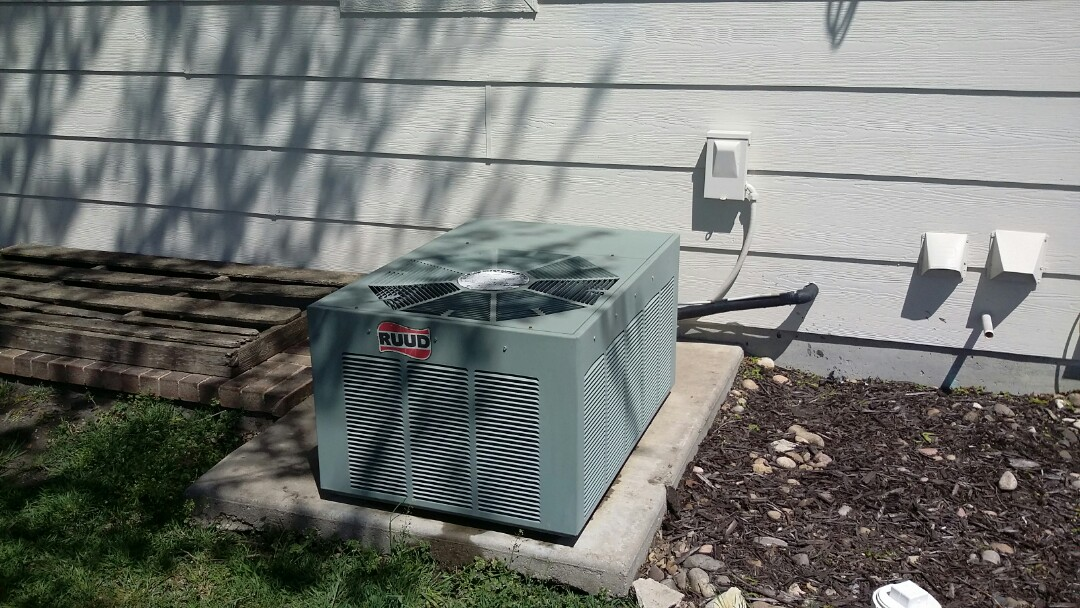 Wichita, KS - Performed air conditioner repair and service