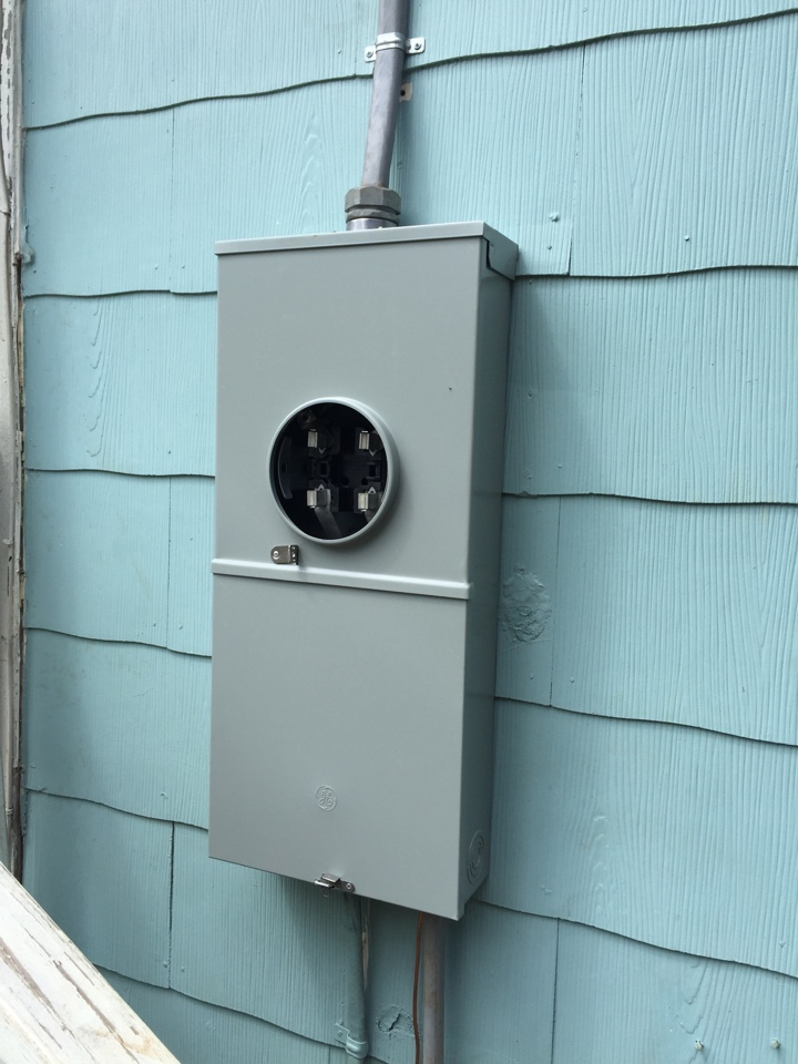 Statham, GA - Installed meter/disconnect combo