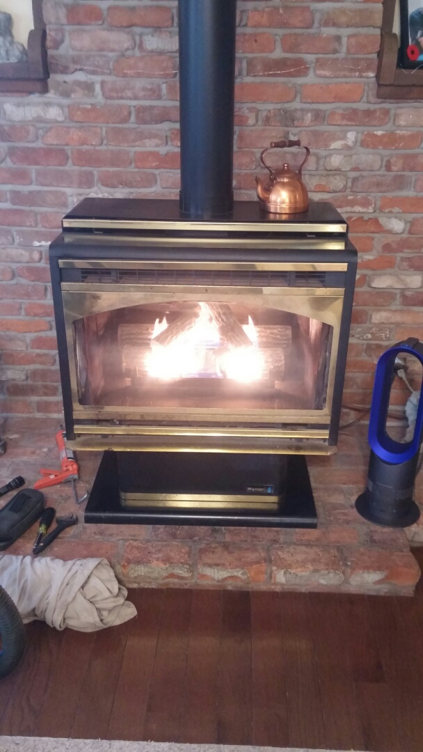 Fort Erie, ON - Hunter fireplace repair. Performed maintenance and inspection.