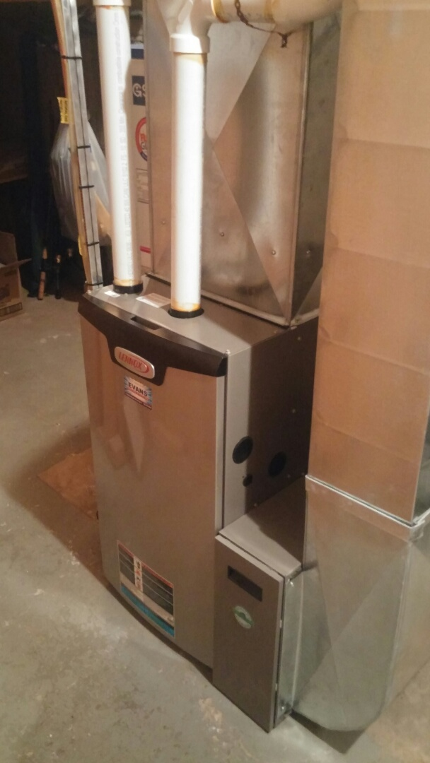St. Catharines, ON - Maintenance on Lennox furnace.