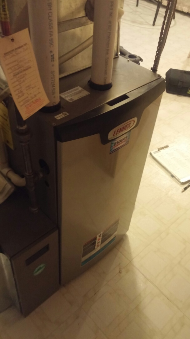 St. Catharines, ON - Maintenance and inspection on Lennox furnace.